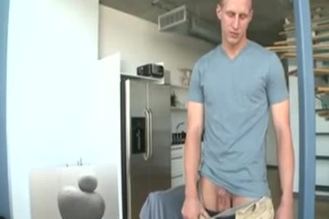 White homo blowing A Powerfull cock