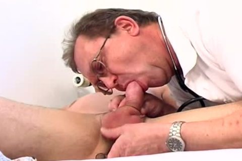 Doctor Takes Advantage Of twink