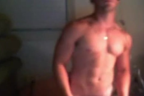 Tasty marine wanks and flexes his muscles