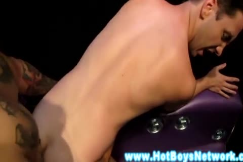 Tattood beauties fucking on daybed and jizzing