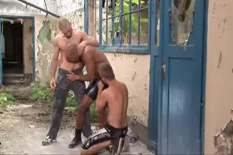 lusty Outdoor threesome