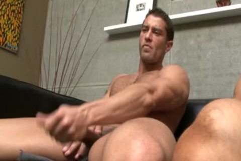 CODY CUMMINGS receives A blowjob stimulation FROM A HUNK