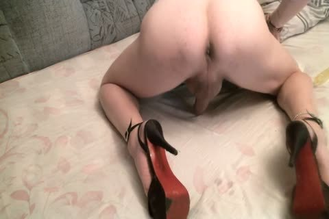 Posing And anal Play
