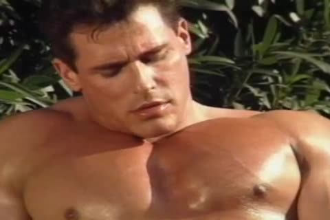Mr. MuscleMan - Jerking By The Pool