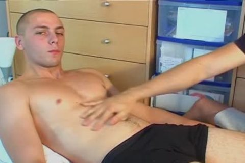 Straight boy Serviced: Ludo 22y.o get Wanked His Hard shlong By A boy !