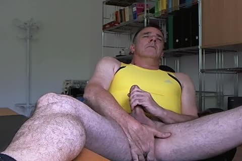 Cant stop it after sniffing dick explodes after poppers