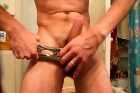 Jacking Off, After Applying A bunch With An Elastrator, And Hanging 2kg Weight To The Balls. almost Castrated