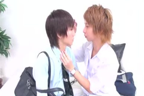 KissxKISSxkiss ~ first Scene