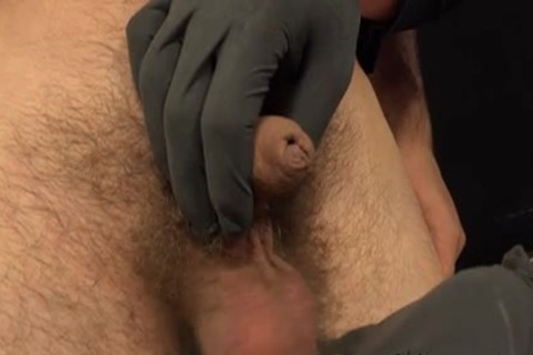 Paul And Viktor sleazy handjob