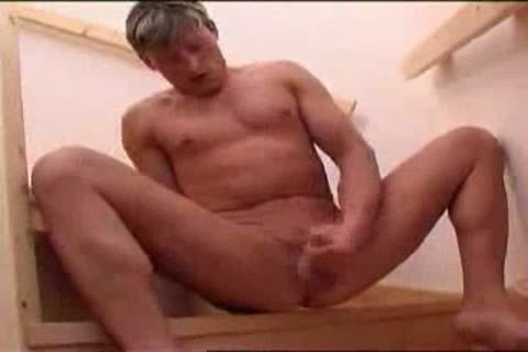 Twink earns himself a penis in the wazoo