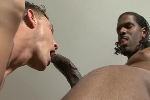 Kody Rean gets His ass Pummeled By A darksome lad