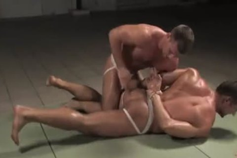 [GVC 052] Muscly dudes Wrestling Hard