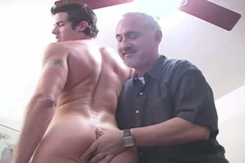 Michael Goes To see His friend For enjoyment