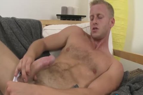 kinky Denis Reed Working Out A Messy Load Out Of his balls