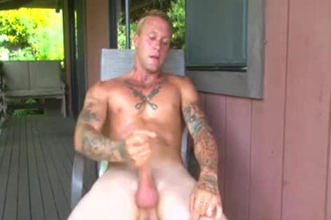 Sporty twink lewis sucked off lewis taylor