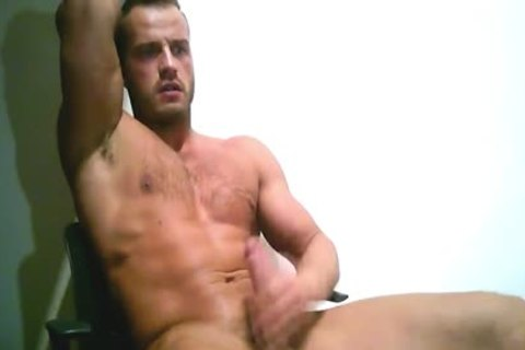 Ripped European stud Sprays A giant Load On Chest