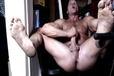 BRF fucks His hole And Jerks On cam