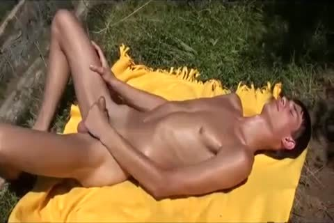 Humongous ramrod twinks domination with facial