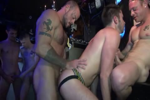 Owen Powers Go Go bunch group-sex