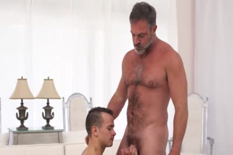 Teen lad pounding a straight bear daddy