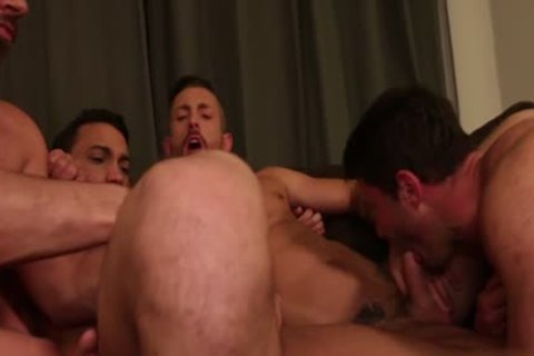 Muscle homosexual bare and cum exchange