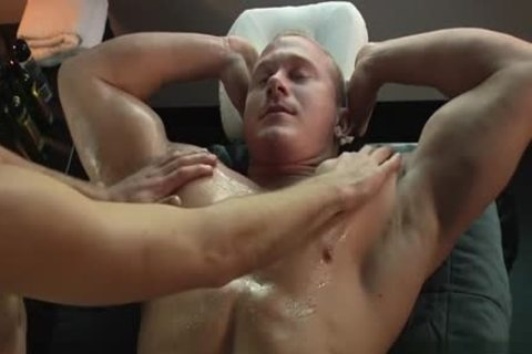 Large penis homo irrumation stimulation with massage