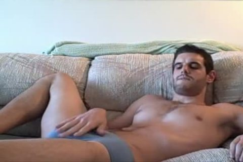Solo gay wanks off his long pole
