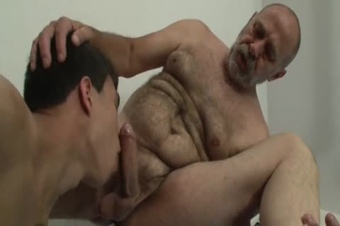 Free Gay Muscle Daddy Videos
