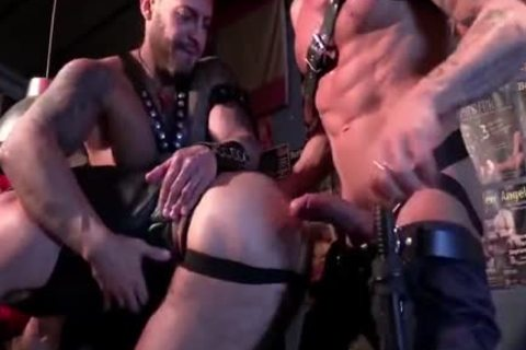 Dt gianni luca sucking a group of boyz