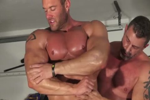 Muscle dude And Dilf Wrestle