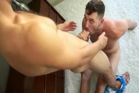 A big brawny black chap enjoys a jerk off