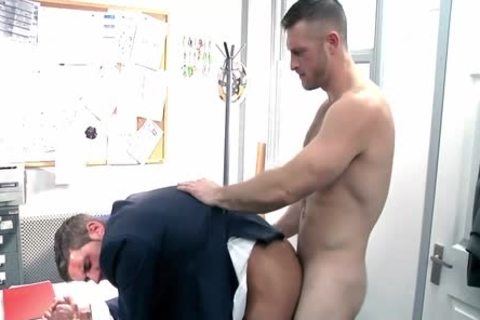 Beffy tough construction workers kiss suck and bang