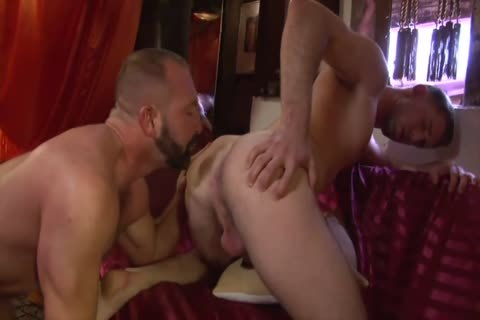 Plowing lascivious 3some