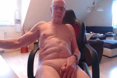 Poppers and moist pleasure in double view
