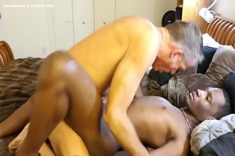 horny darksome Baby & White Daddy  unprotected
