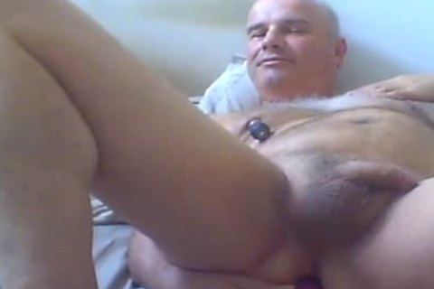 mature man Love Ventouse On nipps And vibrator In a-hole