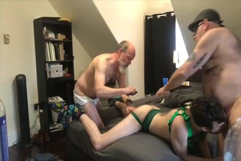 Males receive bung aperture gangbanged