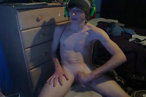 homosexual Game boy likes To jack off Until that dude spooge