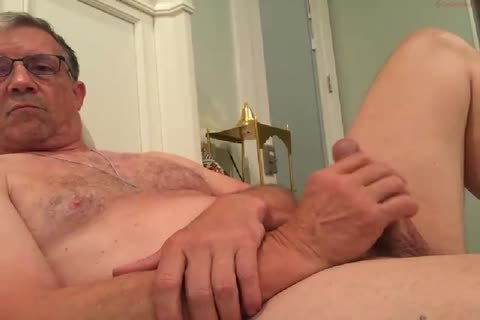 gigantic Dicked daddy stroking 010