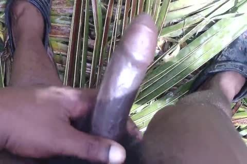 Charles Justin Showering His massive naked black penis Outdoor