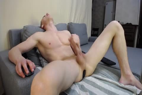 Muscled chap Eric With humongous weenie Masturbates On Chaturbate