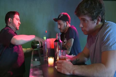Randyblue.com - excited dude Dallas Evans Meets Darksome Stranger Reese Rideout