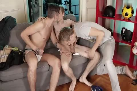 Two delicious twink Fuckers Run To Sven Laarson S Flat For A tasty cum moist Threeway